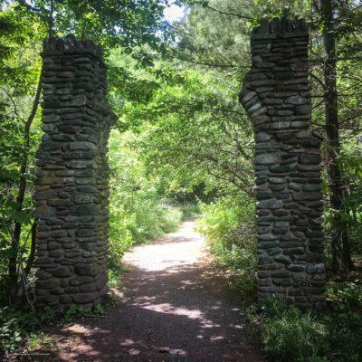 catskills pillars entrance